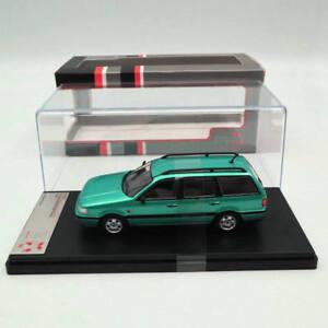 Premium-x-1-43-Volkswagen-Passat-break-1993-metalizado-light-green-prd521-Models