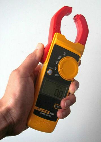 Digital Clamp Meter AC//DC Multimeter Tester w// Case F302 US seller Fluke 302