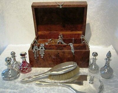 Gorgeous Victorian Burr Walnut Jewellery Box with internal shelf. C19th