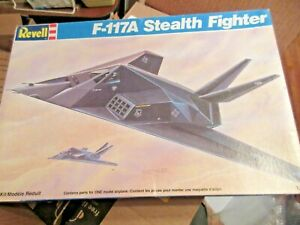 F-117A-Stealth-Fighter-in-1-72-scale-by-Revell-1990-opened-see-pictures