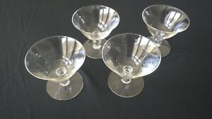 Set-of-4-Vintage-Champagne-Cocktail-Coupes-Sherbet-Glasses-Stemware-Barware