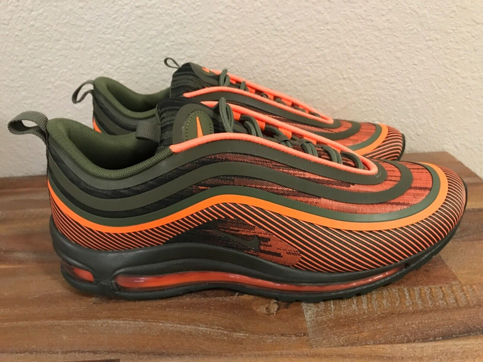 Nike Air Max 97 Ultra '17 arancia totali   Olive Running scarpe 918356 -801 Men Sz 10  marchio in liquidazione