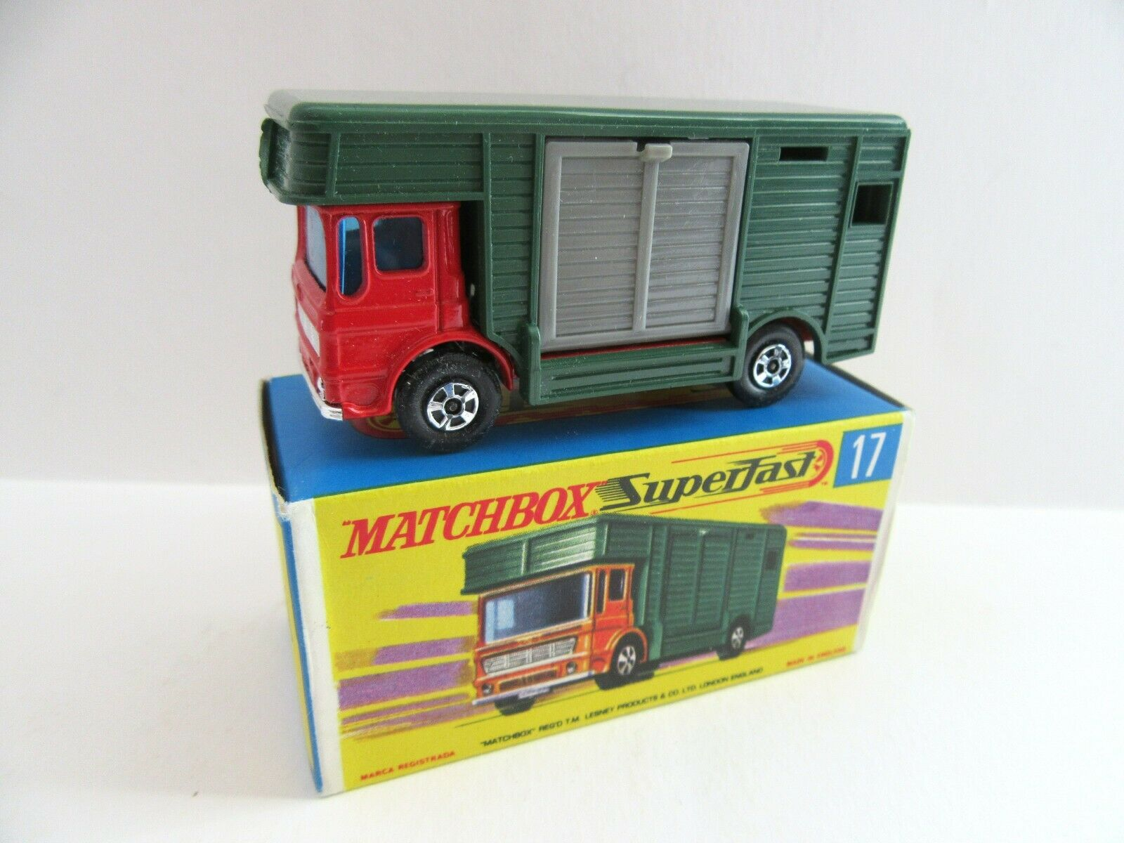 Matchbox Superfast 17 A AEC HORSE BOX-Rouge Vert-Comme neuf boxed