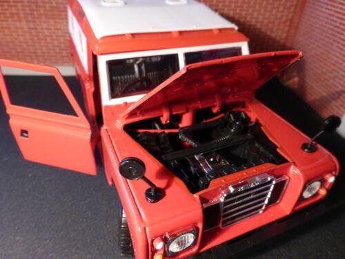 Red Land Rover Series 3 Utility LWB 109 Bburago 1:24 scale Miniature Model BURAGO