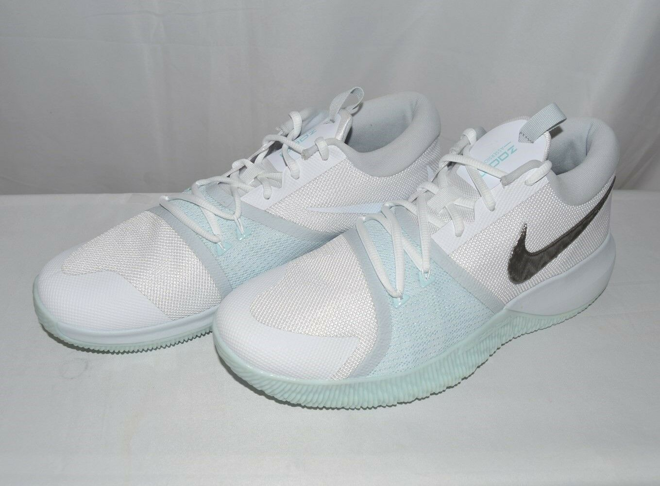 Nike Men's Zoom Assersion Basketball Shoes 917505 104 White/Glacier, Pre-Owned