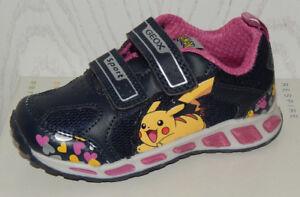 Kostenloser Versand heiß-verkaufende Mode billig werden Details zu Geox Blinklicht Pokemon Schuhe 26 28 29 30 31 33 Pikachu J8206D