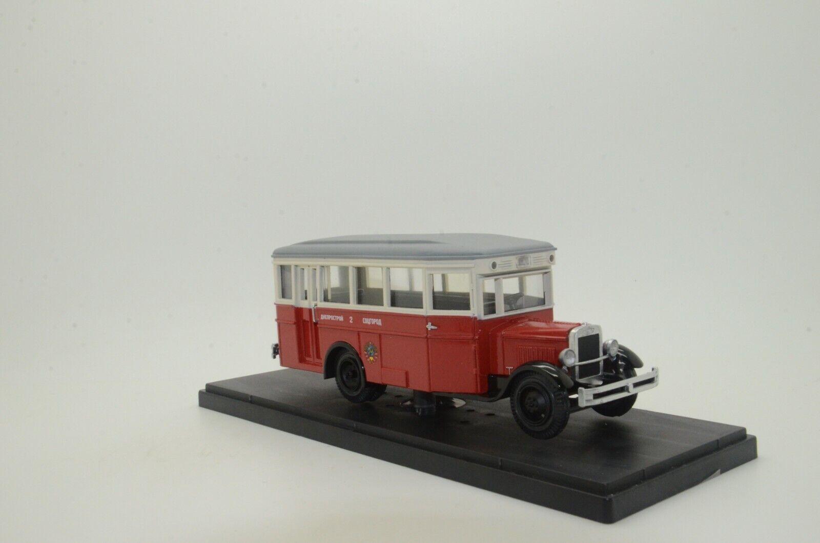 Rare    ZIS - 8 USSR Russian Bus rosso   bianca Miniclassic 1 43