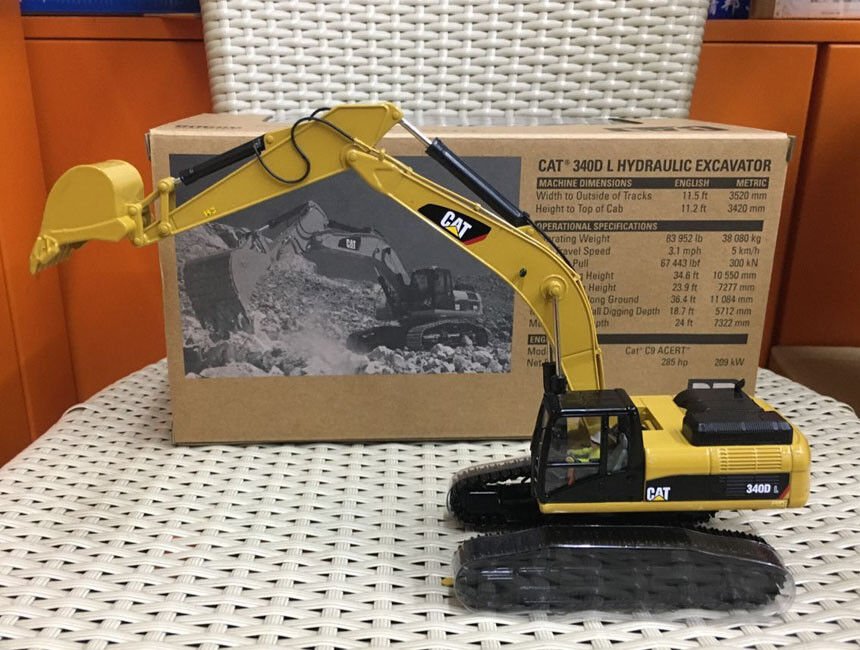Ultimo 2018 Caterpillar Caterpillar Caterpillar Cat 340D L Hydraulic Excavator 1 50 Metal By Diecast Masters  85908  memorizzare