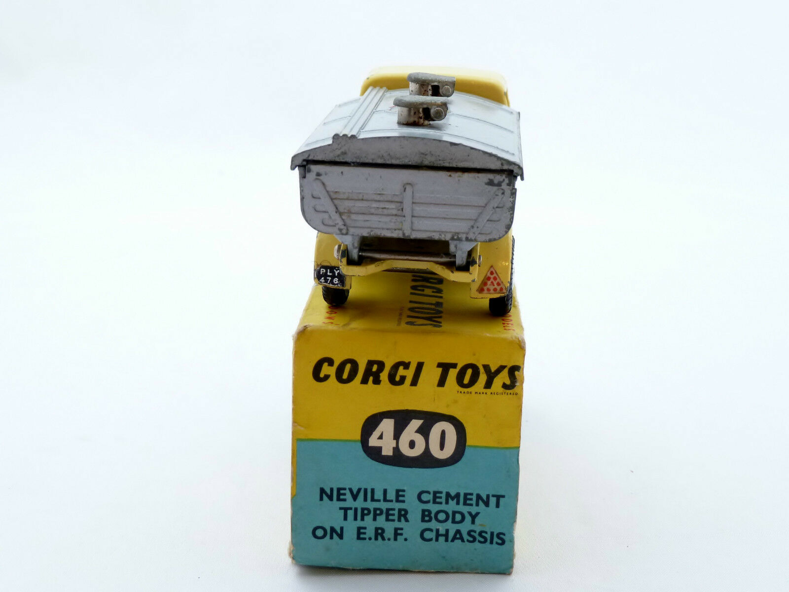 CORGI CORGI CORGI 460 NEVILLE CEMENT TIPPER BODY ON E.R.F. CHASSIS 5dac76