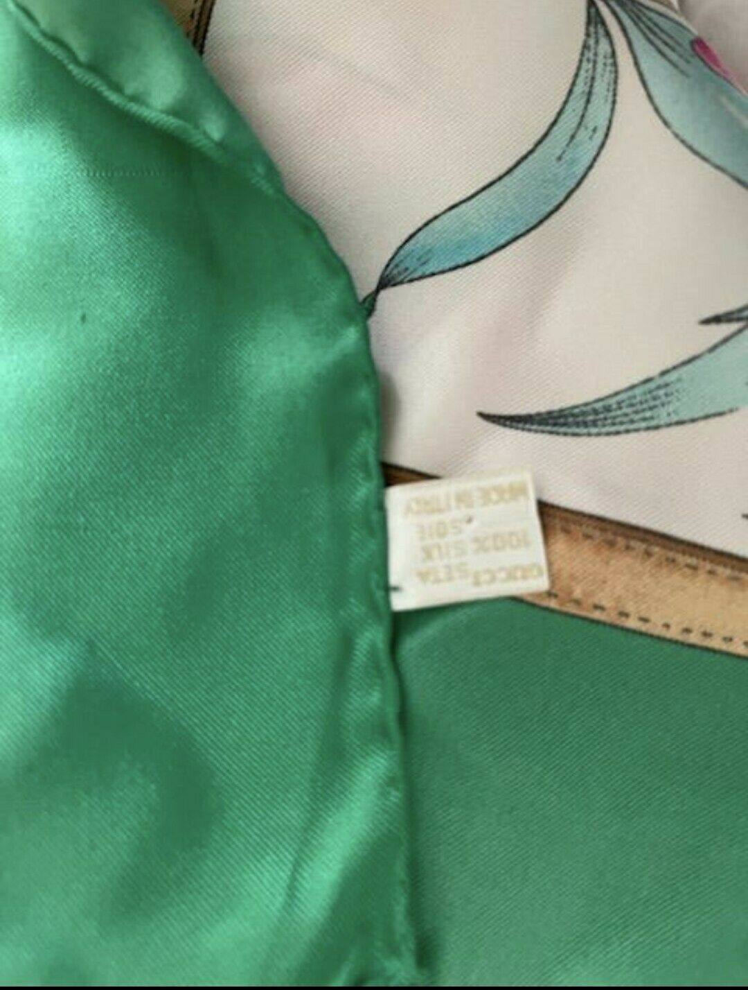 Vintage Gucci Floral 100% Silk Scarf Green/Multic… - image 3