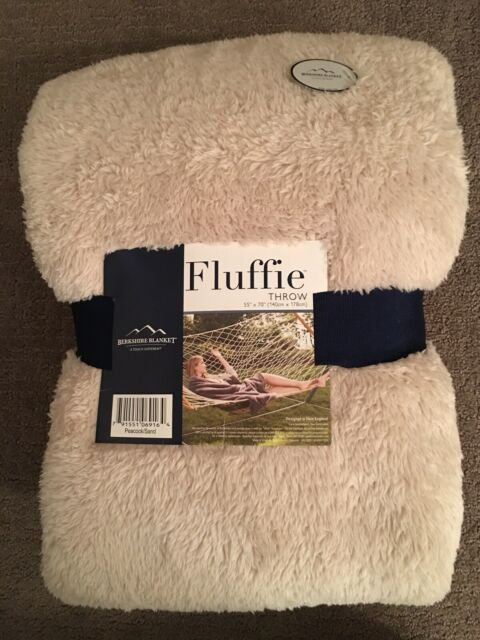"Berkshire Blanket 60/"" x 70/"" Super Soft Fluffie Throw NEW!"