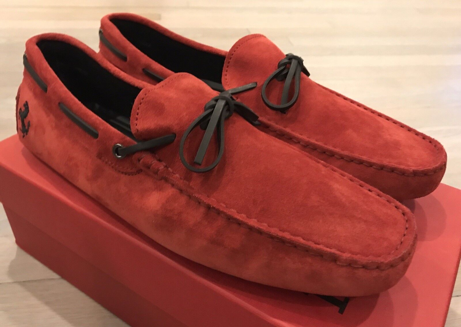 750  Tod's Ferrari Red Suede New Gommini Drivers Size US 12.5 Made In