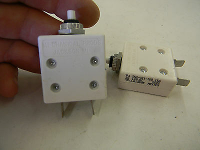 LOT OF 3 MECHANICAL PRODUCTS 15AMP 252-001-150 CIRCUIT BREAKER