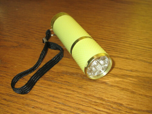 facile Compact DEL Lampe torche en aluminium avec Power 9 DEL GLOW IN THE DARK *