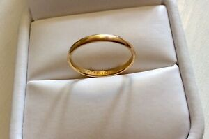 Vintage-Hallmarked-for-1950-Ladies-Narrow-22-Carat-Gold-Band-Size-L