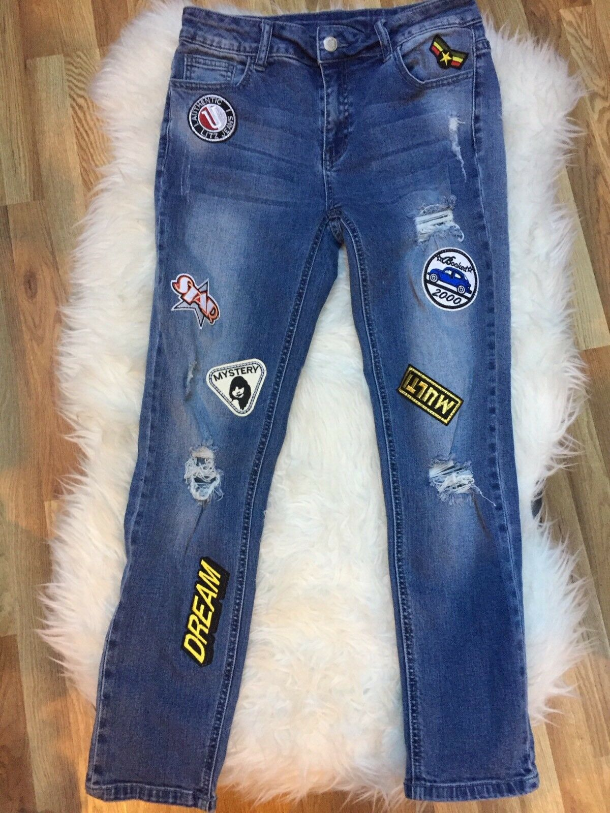 Litz Distressed bluee Embroidered Patch Skinny Jeans Size 27