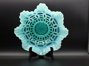 GORGEOUS-RARE-ESTATE-FENTON-GREEN-BLUE-OPALESCENT-DOUBLE-WEDDING-RING-10-034-BOWL