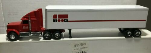 Ertl International Conventional Mike Brooks  Tractor//trailer 1//