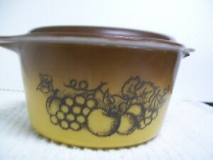 Vintage Pyrex Old Orchard Round Small Casserole Dish 473 1 Qt w/Brown Lid NICE!!