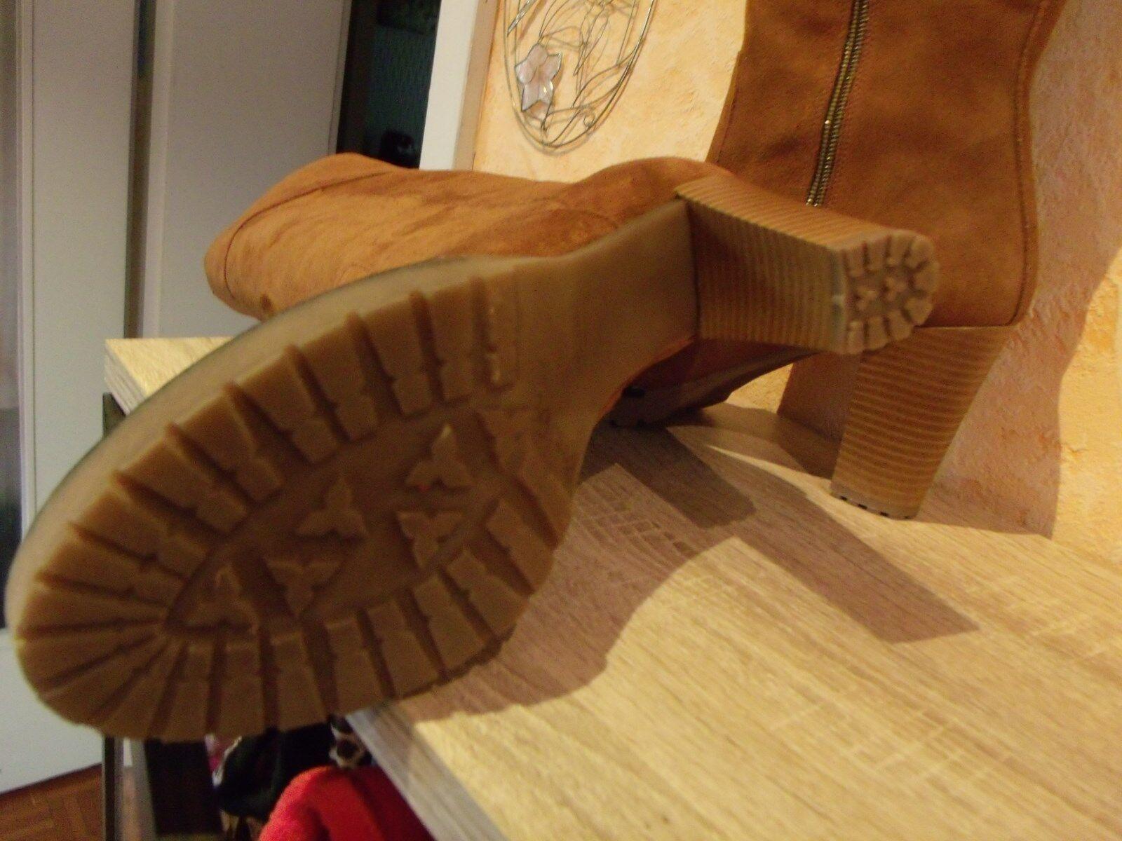 Zapatos especiales con descuento Hoher femininer Stiefel mit RV NEU Gr. 41 F in cognac & weichem Veloursleder