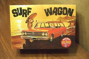 AMT-039-65-CHEVELLE-SURF-WAGON-1-25-SCALE-MODEL-KIT-build-one-of-4-ways
