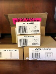 AcuRite 01094M Temperature /& Humidity Station with 3 Indoor//Outdoor Sensors