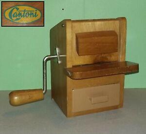 CANTONI-Grattugia-per-formaggio-pane-in-legno-1-Cheese-and-Bread-Grater