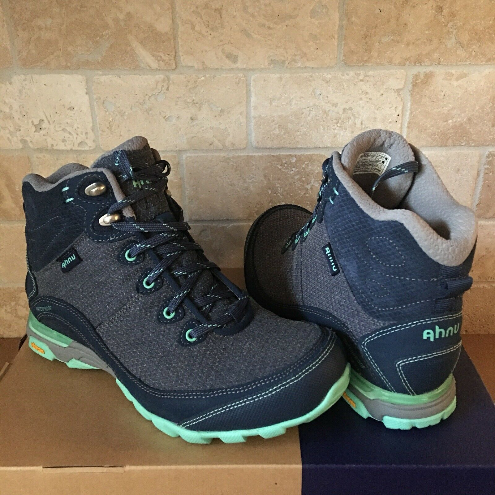AHNU Sugarpine Insignia bluee Waterproof Hiking Trail Boots shoes Size 9 Womens