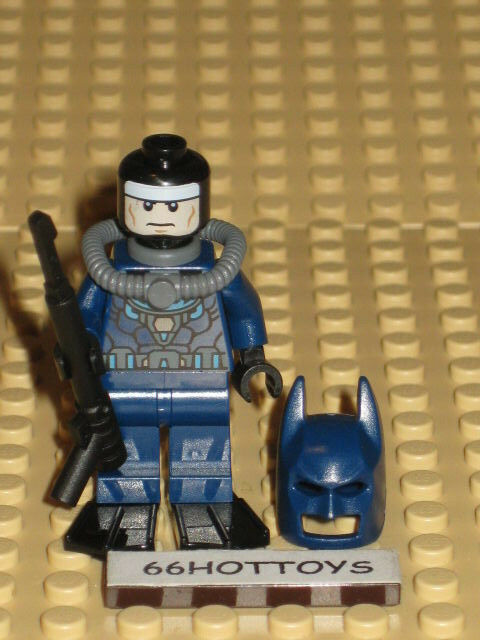 Lego Minifigure 76010 DC Comics Batman Blue Wet Suit Scuba Tank