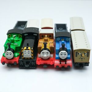 Thomas-amp-Friends-Nakayoshi-Thomas-Series-BANDAI