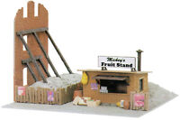 Model Power 682 Built Up Fruit Stand Lighted With 2 Figures