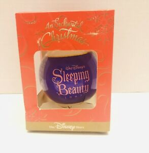 Vtg-1997-Disney-Store-Enchanted-Christmas-Sleeping-Beauty-Ball-Ornament-RARE-NIB