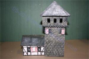 Mittelalter-Ritter-Turmburg-Emwald-mit-Haus-3084-zu-7cm-Elastolin-u-a
