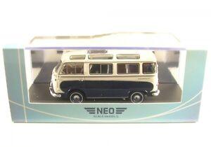 Ford-Taunus-Transit-Bus-Panoramique-bleu-blancheur-1962