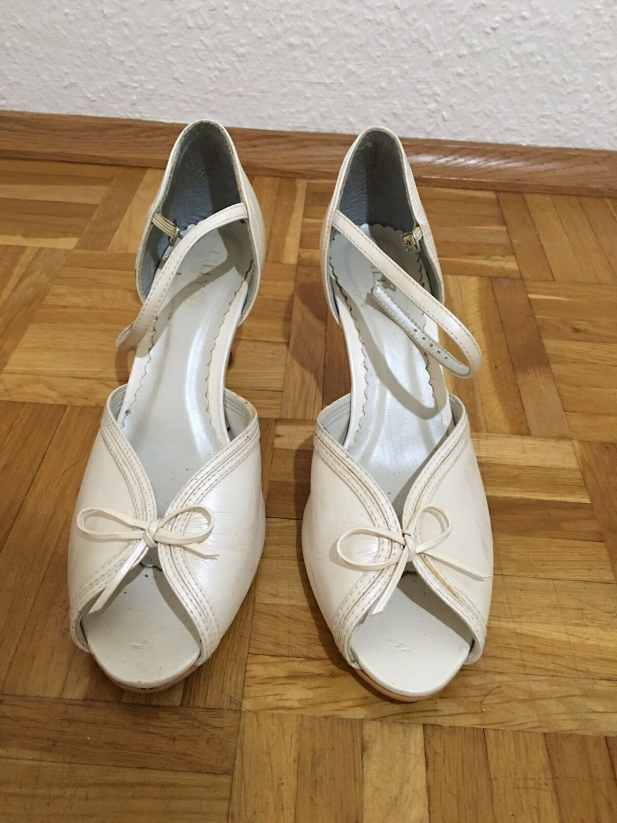 Lilly Shoes Wedding Bridal Bride School Size 40 95 Creme Pumps Peep Toes