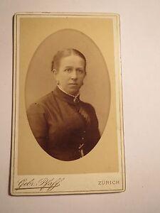 Zuerich-Frau-Portrait-CDV