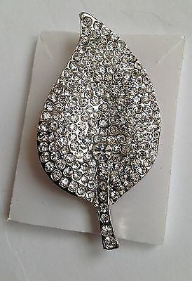Leaf type  diamante brooch with pearl 5cmx3cm