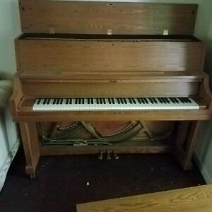 Yamaha-P22-Oak-Piano