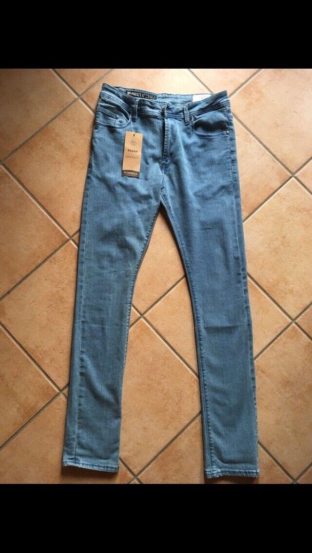 Slim Fit Jeans von REELL hellblau einwandfreier neuwertiger Zustand