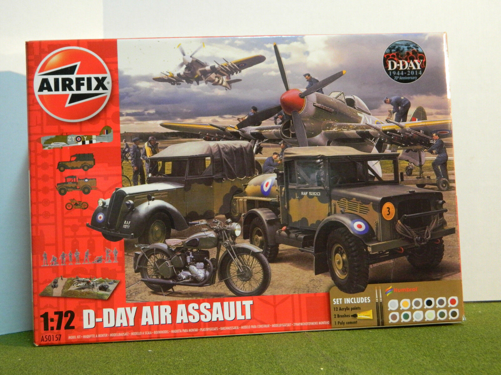 1 72 SCALE  WWII D-DAY AIR ASSAULT PLAY SET
