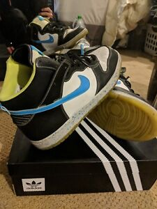 Nike Dunk High Mens size 9.5 Original Dunks Volt Ice Sole with Neon Blue Swoosh