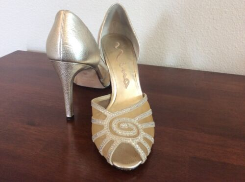 WOMENS SHOES PALE GOLD SIZE 8