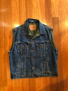 Levis-Original-Quilted-Mens-Vest-double-sided-Size-Large