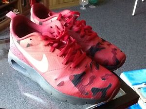 Nike-Air-Tavas-red-black-silver-camo-camouflage-trainers-uk-size-5