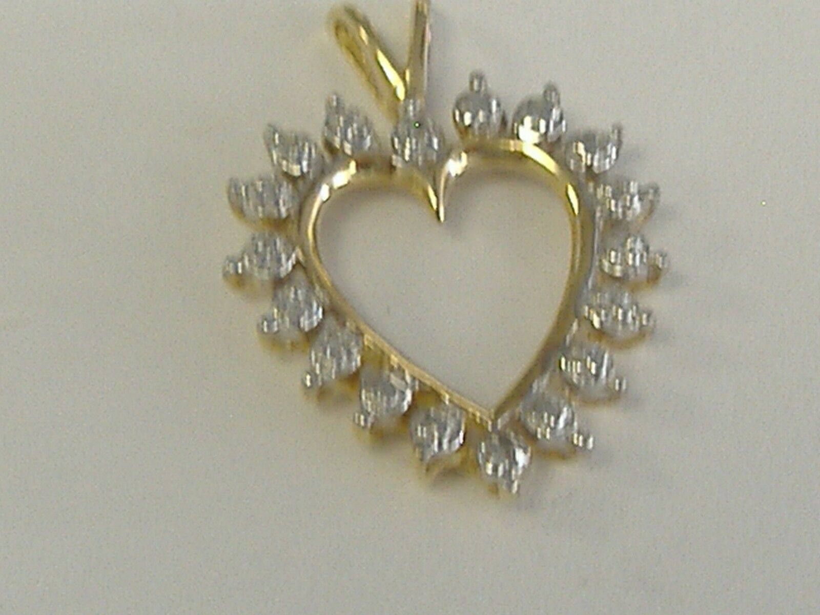 VINTAGE  10K  gold    DIAMOND  ACCENT HEART   PENDANT