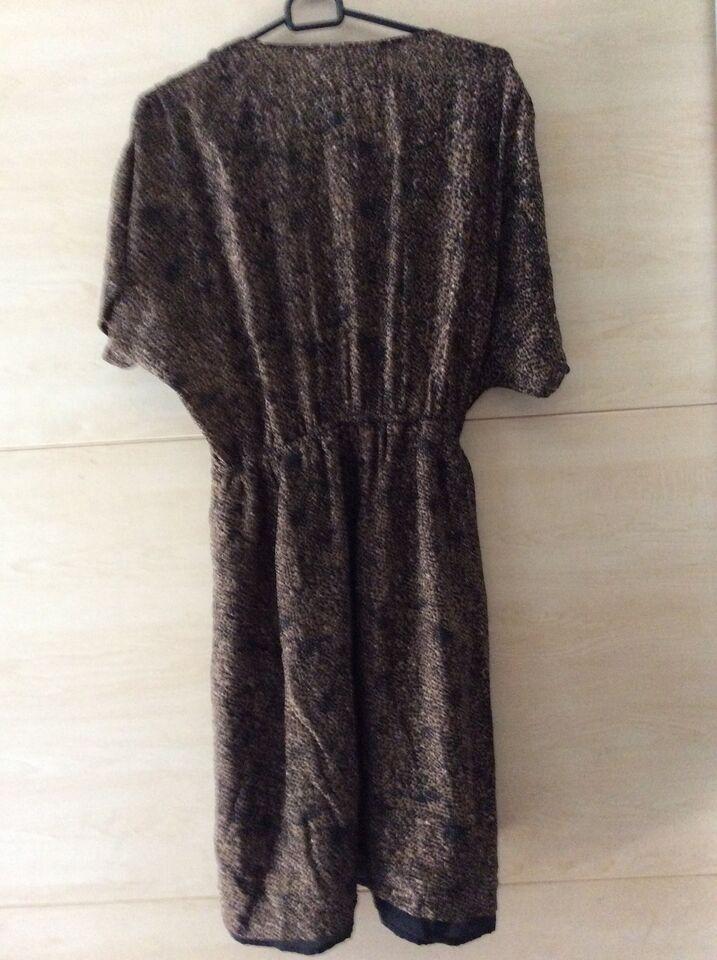 Anden kjole, Mango, str. XL