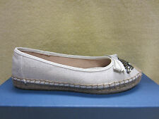 New Simply Vera VEea Wang Womens Madey White Espadrille Size 6.5 Flats Shoes $60
