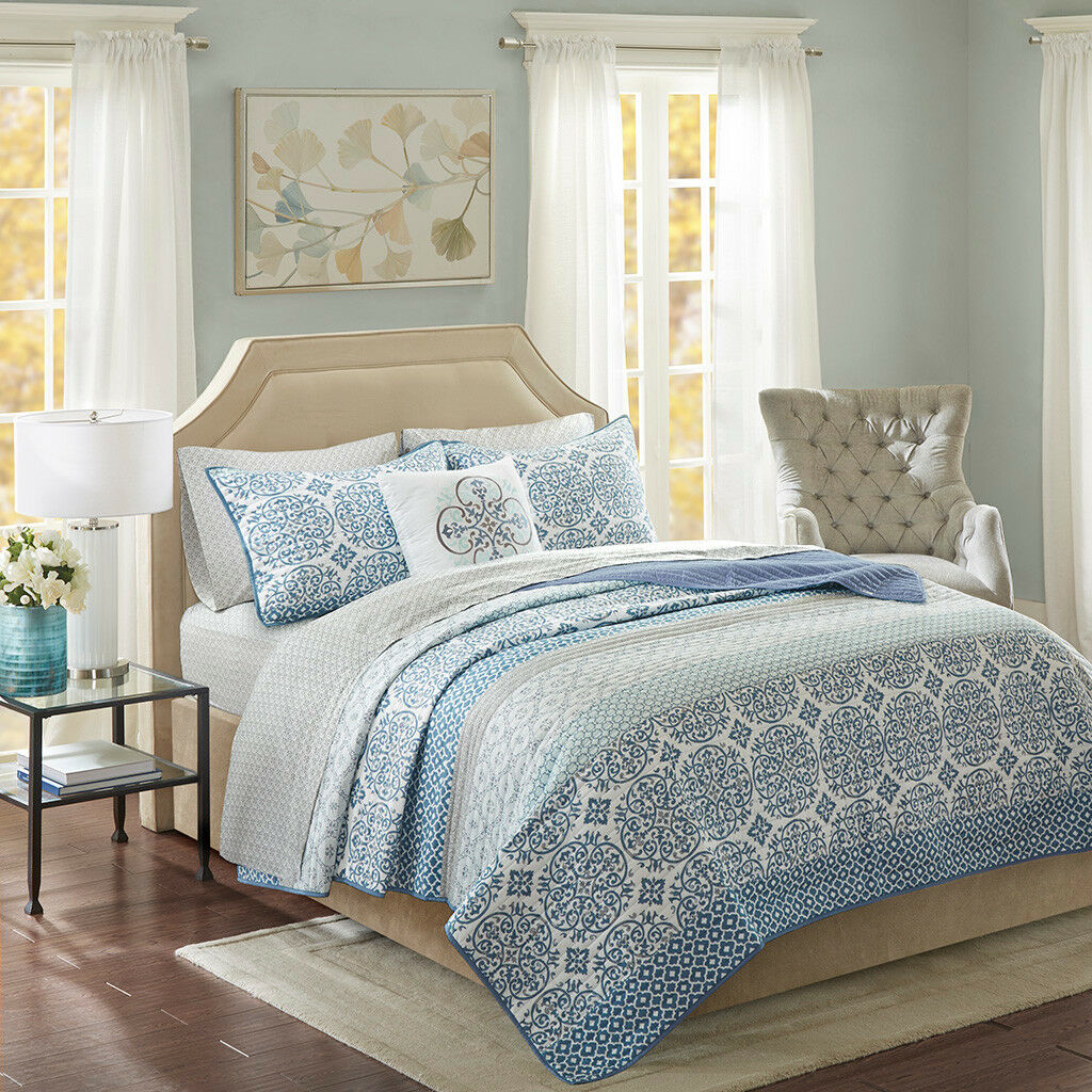 Beautiful bluee Motif Coverlet 8 pcs Cal King Queen Set 100% Cotton sheets
