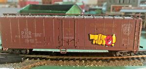 HO-scale-Pennsylvania-Box-car-with-grafetti