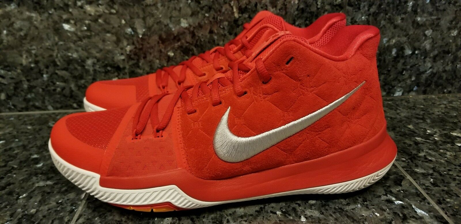 Men's Nike Kyrie 3 University Red Grey White Basketball 852395-601 Size 10-13
